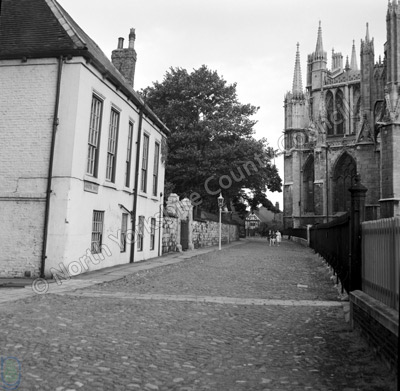 York Minster, Yard